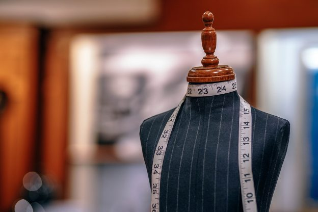 Wortsucht – Der Anzug